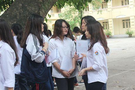 Xet tuyen dai hoc: Co nen dieu chinh chinh sach cong diem uu tien? - Anh 2