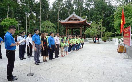 Tuyen duong hoc sinh gioi Tong Cty Song Da nam hoc 2016 - 2017 - Anh 2