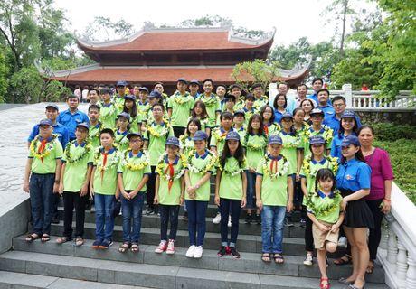 Tuyen duong hoc sinh gioi Tong Cty Song Da nam hoc 2016 - 2017 - Anh 4
