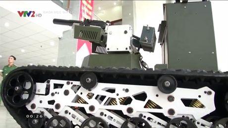 Viet Nam che tao robot chien dau sanh ngang Nga - Anh 1
