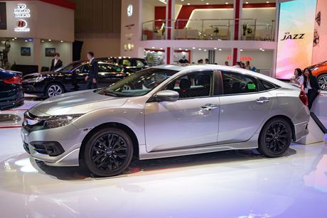 Honda Civic Modulo them manh me voi bodykit the thao - Anh 2