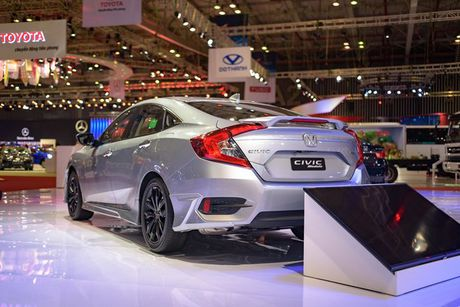 Honda Civic Modulo them manh me voi bodykit the thao - Anh 4