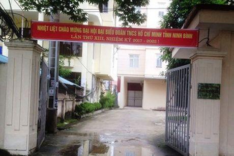 Tran tinh cua giam doc So 'choang' lai xe vi di nham duong - Anh 1