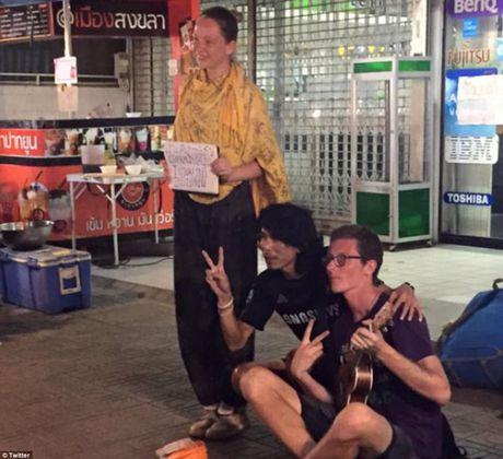 No ro lan song Tay 'ba lo' sang Dong Nam A 'an xin' lay tien di du lich - Anh 4