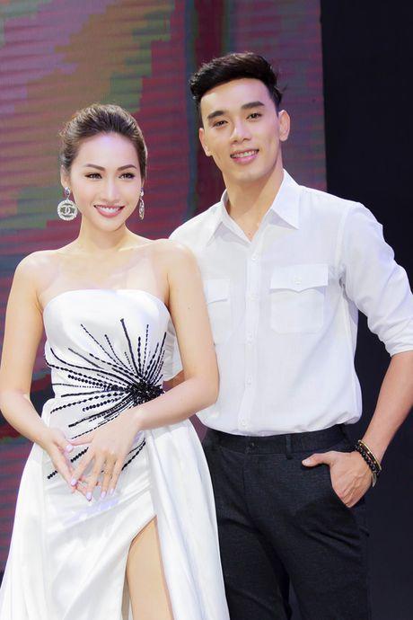 """""""Dien vien ma lum"""" Thuan Nguyen bi nghi ngo dang hen ho sieu mau Khanh Ngoc - Anh 2"""