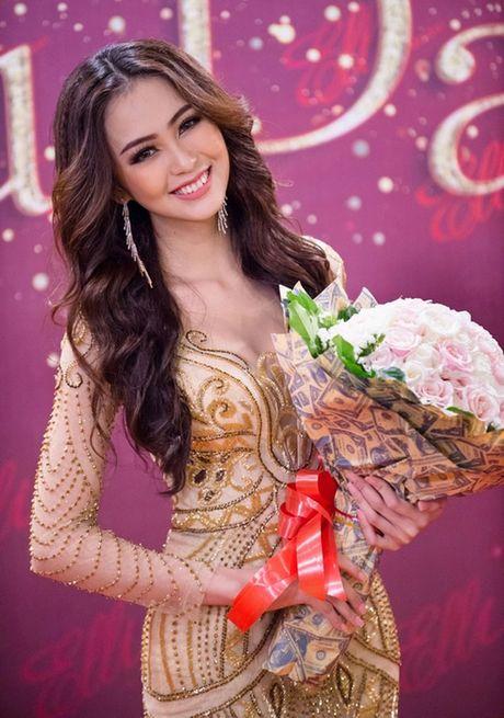 Hoa khoi Nam Bo Hai Yen lien tuc thay vay long lay trong dem tiec - Anh 3