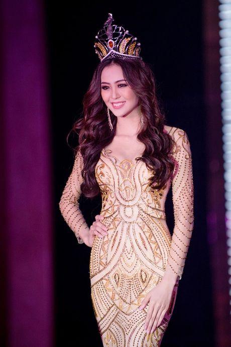 Hoa khoi Nam Bo Hai Yen lien tuc thay vay long lay trong dem tiec - Anh 5