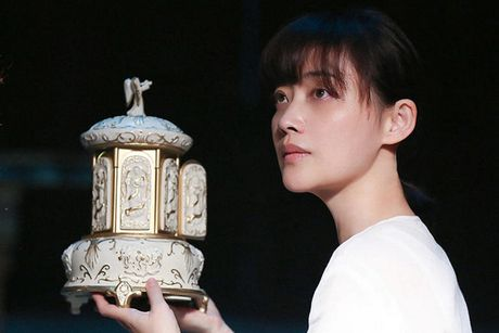 Lam Tam Nhu 'ba bau' mat tay cua phim kinh di an khach - Anh 2