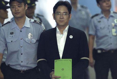 Pho Chu tich Samsung doi dien an 12 nam tu giam - Anh 1