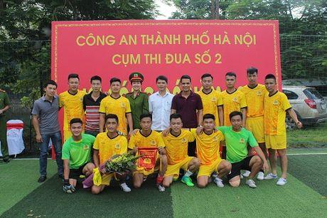 Cum thi dua so 2 CATP Ha Noi: Soi dong Giai bong da nam 2017 - Anh 5