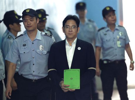 Pho Chu tich Tap doan Samsung bi de nghi muc an 12 nam tu giam - Anh 3