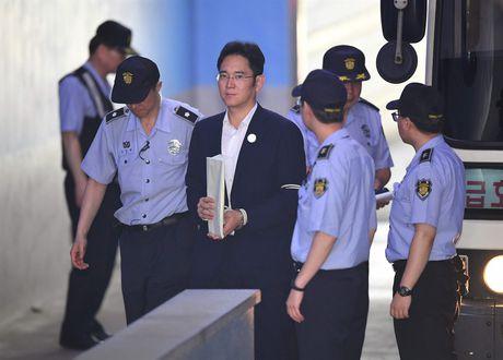 Pho Chu tich Tap doan Samsung bi de nghi muc an 12 nam tu giam - Anh 4