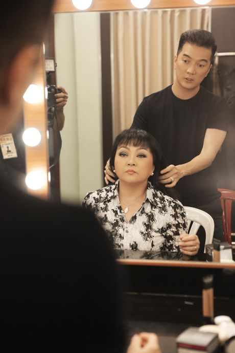 Hau truong chua ke trong liveshow Bolero cua Dam Vinh Hung - Anh 10