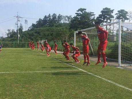 HLV Huu Thang do du, lai lui ngay chot danh sach U22 da SEA Games 29 - Anh 2