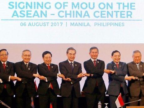 ASEAN ra Tuyen bo chung cung ran ve Bien Dong - Anh 1
