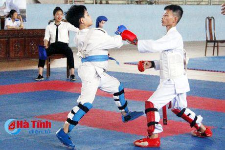 CLB Karatedo Trung tam TDTT Ha Tinh gianh giai Nhat toan doan - Anh 2