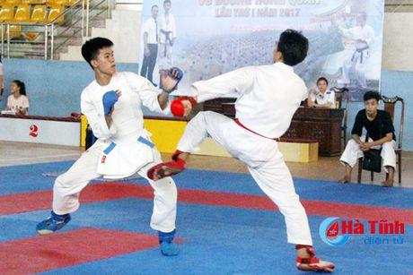 CLB Karatedo Trung tam TDTT Ha Tinh gianh giai Nhat toan doan - Anh 3