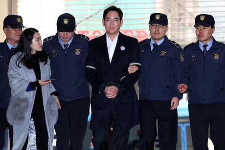 Pho Chu tich Samsung Lee Jae-Yong bi de nghi 12 nam tu - Anh 2