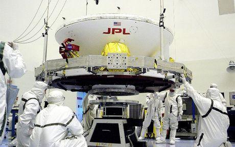 Su that thong tin NASA tuyen 've binh Dai Ngan Ha' de bao ve Trai Dat? - Anh 1