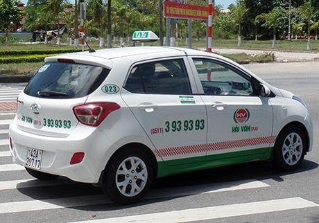 Da Nang: Sa thai tai xe taxi chat chem du khach Han Quoc - Anh 1