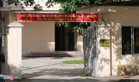 Giam doc So KHCN Ninh Binh tat lai xe khi cap duoi da xin loi - Anh 1