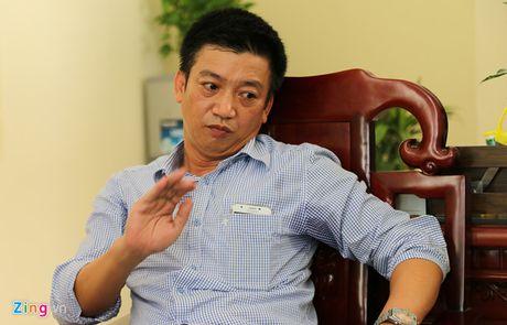 Giam doc So KHCN Ninh Binh tat lai xe khi cap duoi da xin loi - Anh 2