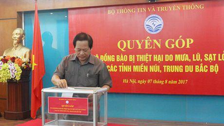 Bo TT&TT ung ho gan 2 ty dong toi dong bao vung lu - Anh 1
