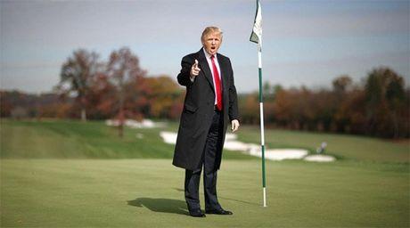 Su that ky nghi dai ngay cua ong Trump o cau lac bo golf - Anh 1