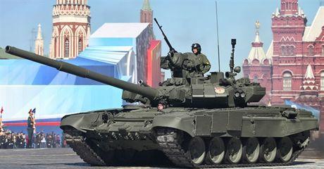 My can nhac cung cap ten lua giup Ukraine chong lai xe tang Nga - Anh 3
