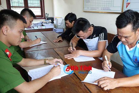 Bat qua tang 4 doi tuong danh bac o pho nui Huong Son - Anh 1