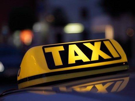Ha Noi: Truy bat nhom doi tuong dam tai xe, cuop xe taxi o Ba Vi - Anh 1