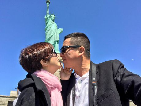 Nghe si Chi Trung dan hat ngot ngao do danh vi lam vo gian gay sot - Anh 4