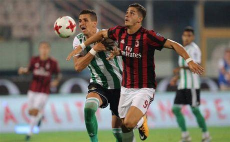Milan 1-2 Real Betis: Doi truong Bonucci khong phai la loi giai? - Anh 4