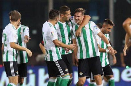 Milan 1-2 Real Betis: Doi truong Bonucci khong phai la loi giai? - Anh 6
