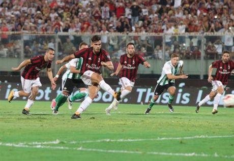 Milan 1-2 Real Betis: Doi truong Bonucci khong phai la loi giai? - Anh 7