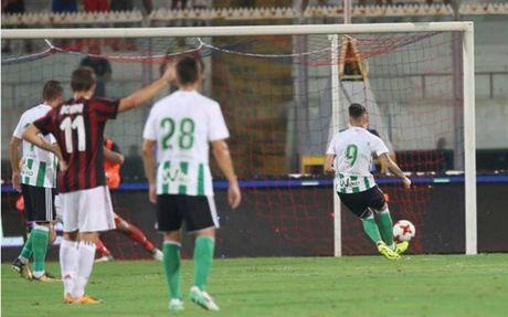 Milan 1-2 Real Betis: Doi truong Bonucci khong phai la loi giai? - Anh 8