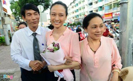 Tam dinh chi dieu tra vu hoa hau Phuong Nga bi to lua 16,5 ty dong cua Cao Toan My - Anh 1