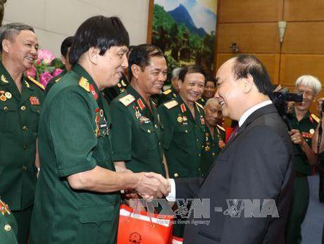 Thu tuong Nguyen Xuan Phuc tiep Hoi Truyen thong Truong Son - Anh 1