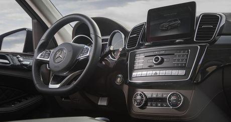 Mercedes-AMG GLE 43 2018 se manh va nhe hon, gia tu 67.750 USD - Anh 6