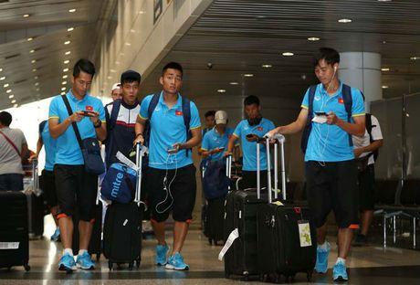 U23 Viet Nam gay sot: 500 anh em phong vien Malaysia 'bao vay' - Anh 2