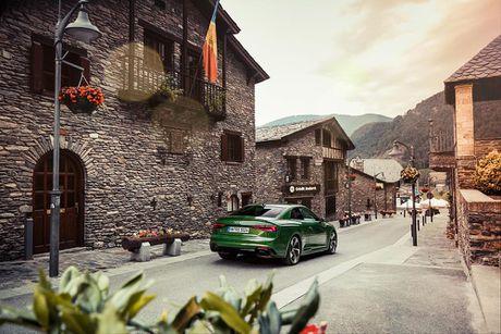 Ngam Audi RS 5 Coupe 2018 mau doc Sonomagrun Metallic - Anh 4