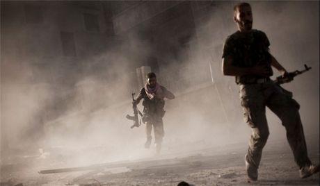 Khung bo Syria hon chien o Lattakia, chi huy cap cao FSA bo mang - Anh 1
