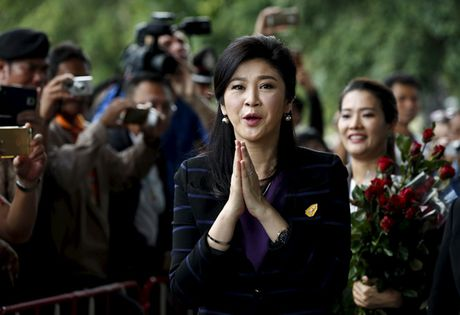 Tai xe cho nguoi ung ho ba Yingluck gap rac roi - Anh 1