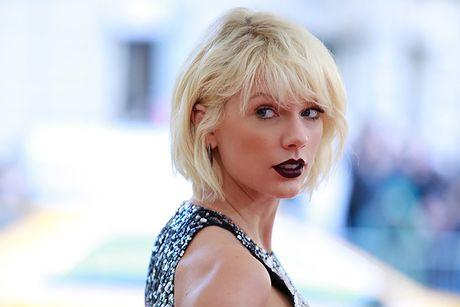 Taylor Swift chi doi boi thuong 1 USD cho vu kien hanh vi sam so - Anh 2