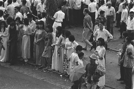 Sai Gon nam 1960 trong ong kinh nguoi Phap - Anh 1