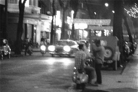 Sai Gon nam 1960 trong ong kinh nguoi Phap - Anh 2