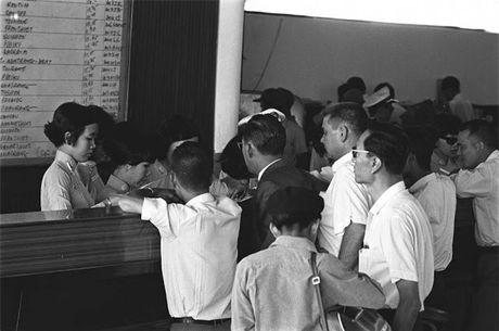 Sai Gon nam 1960 trong ong kinh nguoi Phap - Anh 3