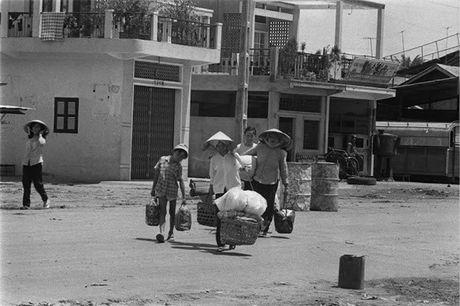 Sai Gon nam 1960 trong ong kinh nguoi Phap - Anh 7