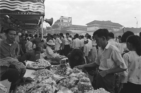 Sai Gon nam 1960 trong ong kinh nguoi Phap - Anh 9