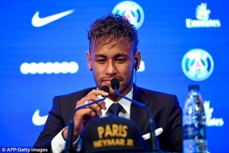 Nguyen nhan that su khien Neymar chua the ra mat PSG - Anh 1